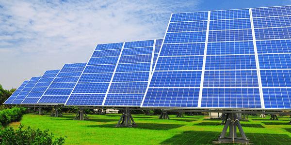 mantenimiento de una placa solar